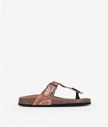 Sandalias planas estampadas