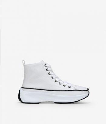 Zapatillas blancas abotinadas