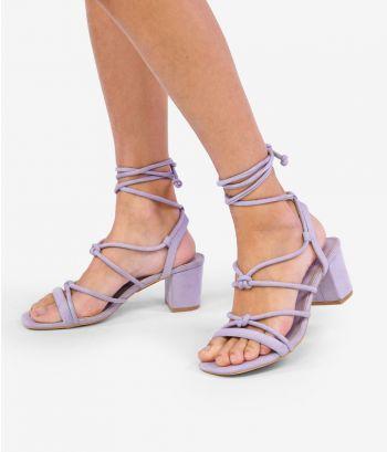 Sandalias lilas con tacón ancho