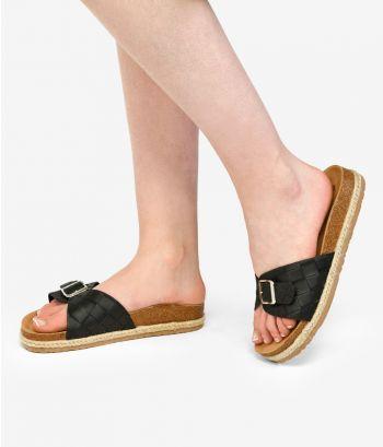 Sandalias negras planas con trenzado