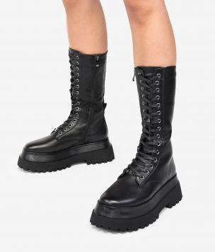 Botas altas negras con cordones