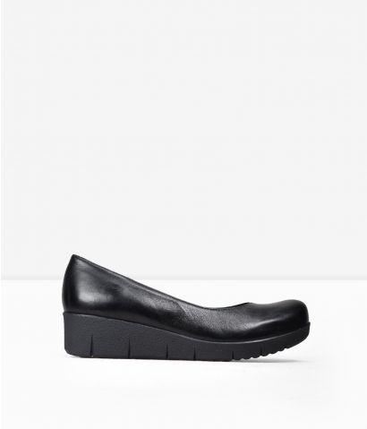 Zapatos negros cuña