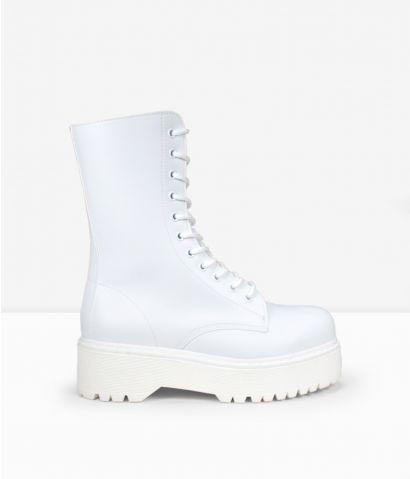 Botas blancas cordones