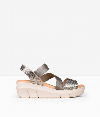 Sandalias piel con elásticos