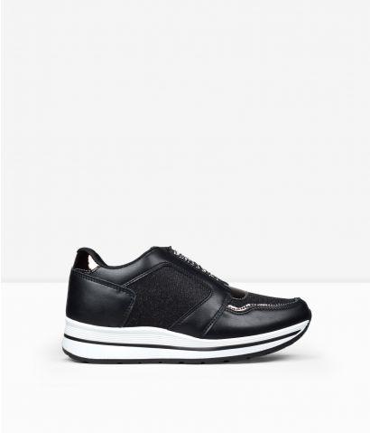 Zapatillas negras cuña