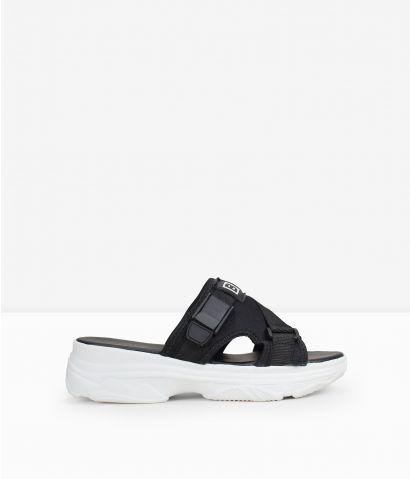 Sandalias negras plataforma deportiva