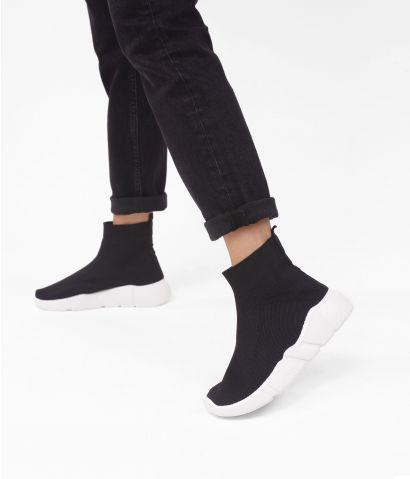 Zapatillas negras tipo calcetín