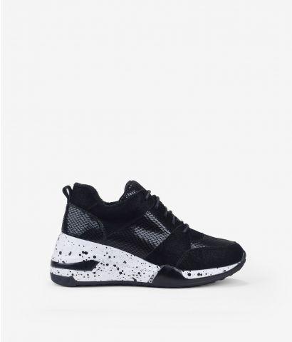 Zapatillas negras con cuña