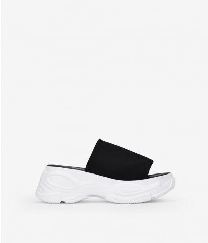 Sandalia deportiva negra
