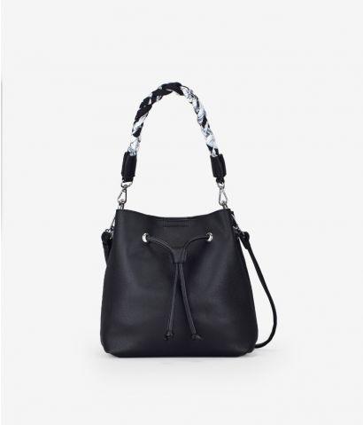 Bolso saco negro con asa extraíble